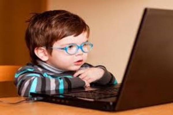 پاورپوینت کودکان و اعتیاد به اینترنت رهاورد هزاره سوم