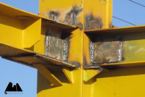 پاورپوینت طراحی و اجرای اتصالات جوشی بر آسیب پذیری لرزه ای سازه های فولادی